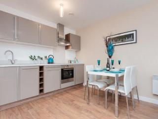 2 Bed High Spec city centre apartment sleeps 6 - Manchester vacation rentals