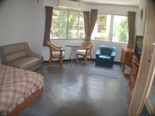 Jomtien Thipcondotel 212 (near Pattaya) - Pattaya vacation rentals