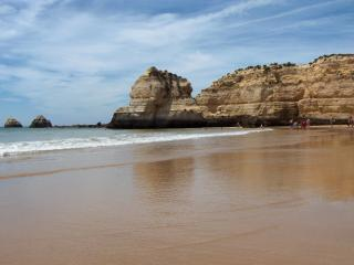 Great Location 1 Bed Apartment at Praia da Rocha - Almancil vacation rentals