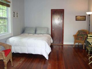 Cozy Studio Apartment - Miami Beach vacation rentals