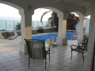 Ocean Front Estate, 5 bed room, pool jacuzzi - Baja California Norte vacation rentals