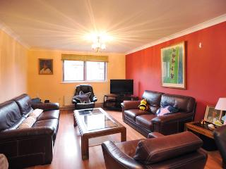 Lovely 2 Bedroom in North London - Hemel Hempstead vacation rentals