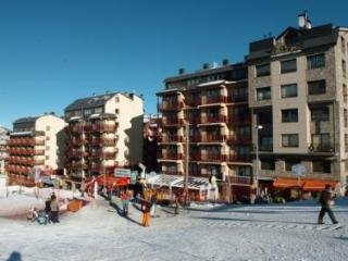 LCB APARTAMENTS PIE DE PISTAS - 4/6 estandar - Andorra vacation rentals