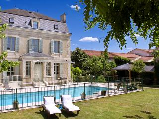 Astier Petit Chateau Only - Tocane Saint-Apre vacation rentals