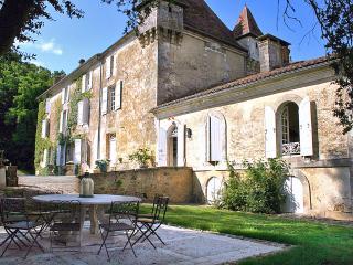 Chateau De La Guerinche - Nantheuil vacation rentals