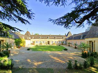 Chateau De Viresco - Cadouin vacation rentals