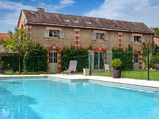 Astier Petit Chateau - Verteillac vacation rentals