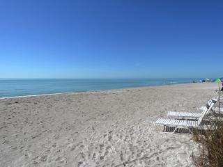 Gulf Front First Level Walk Out to the Beach Longb - Longboat Key vacation rentals