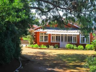 Turrett House - Colonial style family run cottage - Coonoor vacation rentals