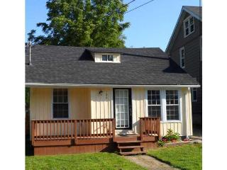 Beach Cottage with Inground Pool - Ontario vacation rentals