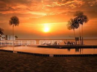 Titusville Bay Towers Deluxe Studio apartment - Florida Central Atlantic Coast vacation rentals