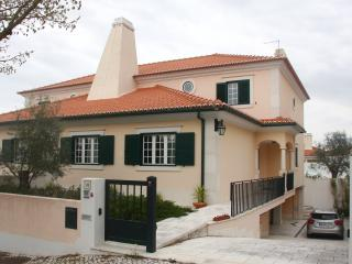 Great country house near Lisbon holds 7 - Azeitao vacation rentals