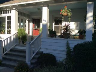 Beautiful Upstairs Apt in Newport House - Newport vacation rentals