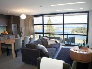 EE Panorama Tce Apartments (3 bedrooms) Unit 33 - Queenstown vacation rentals