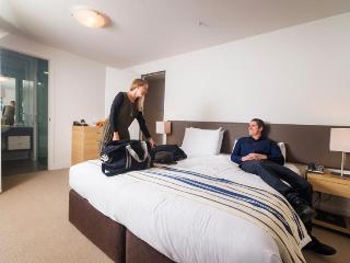 EE Panorama Marina Apartments( 3 bedrooms)Unit 103 - Queenstown vacation rentals