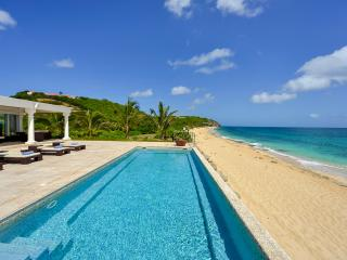 Seafront villa for 4 people - Saint Martin vacation rentals