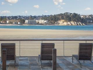 Seaside apartment in Cap Morgat, Brittany, with 1 bedroom, pool and terrace – 30m from the beach! - Crozon vacation rentals