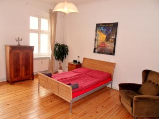 Nice and cosy apartment, Berlin Kreuzberg - Berlin vacation rentals