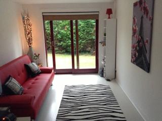 Frood Street Bungalow, Sleeps up to 6 Guests - North Lanarkshire vacation rentals
