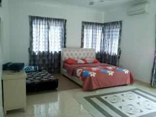 Mukmin Homestay Rapat Setia Baru Ipoh - Ipoh vacation rentals