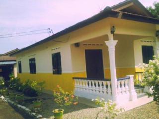 home stay Melah-k ( For Muslim ) - Malaysia vacation rentals