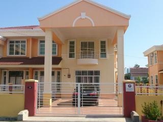 Homestay Melaka Executive Bukit Serindit ( for Muslim ) - Malaysia vacation rentals