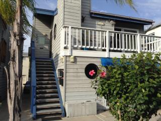 3 Bedroom Bayside Unit with Rooftop deck - Pacific Beach vacation rentals
