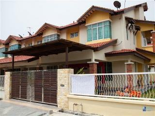 FL Bridal Homestay - Penang vacation rentals