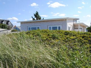 REXHAME BEACH, MARSHFIELD, MA  OCEANFRONT BUNGALOW - Marshfield vacation rentals