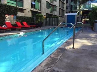 Spacious Los Angeles 2BR Suite - Walk to LA Live - Los Angeles vacation rentals