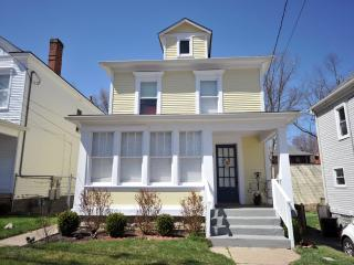 2 BR Frankfort AVE *Best Location! Clean Pet Free - Kentucky vacation rentals