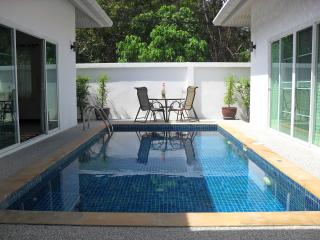 Spacious 2 Bedroom Pool Villa in Rawai - Rawai vacation rentals