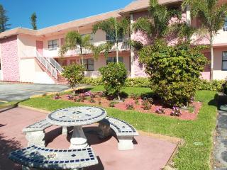 MARY POP APARTMENTS # 205A ( STUDIO ) - Dania Beach vacation rentals