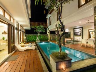 Villa Club B Residence 5 mnts drive from beach - Seminyak vacation rentals
