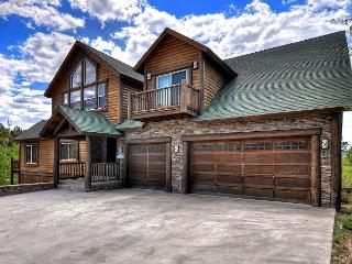Castle Glen Dream Estate! Spa, movie theater, lake and mountain views! - Big Bear Lake vacation rentals