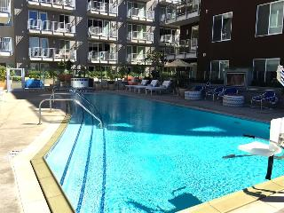 SAN DIEGO:Waterfront suites in Little Italy with pool - San Diego vacation rentals