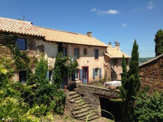 La maison bleue - Saint-Sernin-sur-Rance vacation rentals