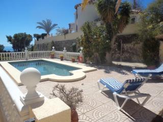 Calpe Villa, sleeps 6, pool, Wi-Fi and Sat TV - Calpe vacation rentals