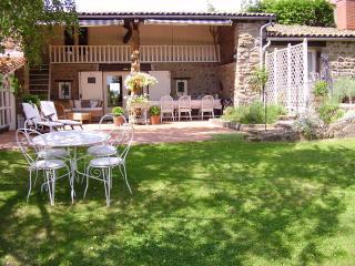 maison marguerite - Vernet-la-Varenne vacation rentals
