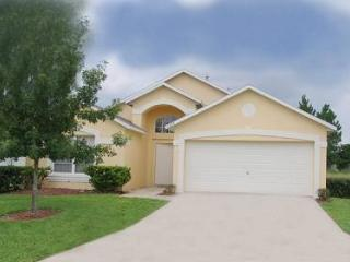 Lovely 3 bedroom Westbridge home with community pool and clubhouse. DL1007 - Davenport vacation rentals