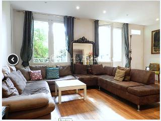 Private house with terrace  in Paris center - Paris vacation rentals