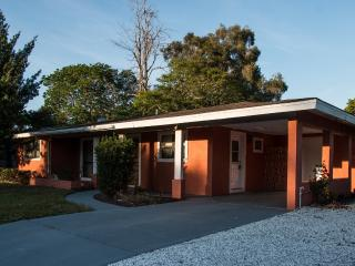 Charming Affordable Lakeview  Pet Friendly Getaway - Sarasota vacation rentals