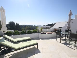 Fabulous Townhouse, Marbella´s Golden Mile - Marbella vacation rentals