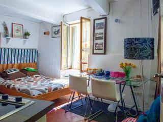 Prêcheurs Studio 6 - Aix-en-Provence vacation rentals