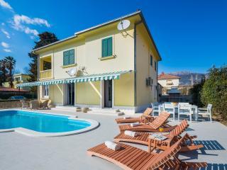 Blue sea apartment - Kastel Stari vacation rentals