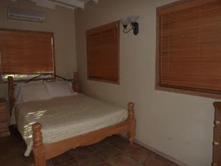 Upper Gatzby Apartment, Jolly Harbour, Antigua - World vacation rentals