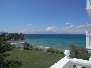 CLEAR HORIZON - Amoudi vacation rentals