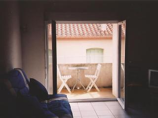 Holiday apartment in charming seaside town, France - Canet-Plage vacation rentals