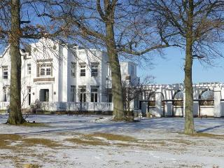 Waterfront Estate House for Events near NYC - New Rochelle vacation rentals