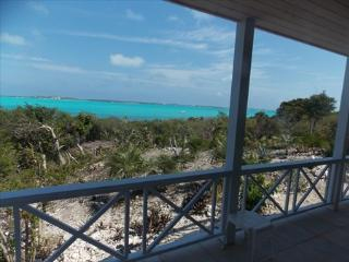 HALCYON GARDEN APARTMENT vista of Elizabeth Harbor - The Exumas vacation rentals